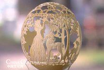 Decoración de Huevos de Avestruz / El trabajo se hace con huevos de avestruz , Dremel para cortar, tallar , pinturas acrílicas y para vidrio , bisutería , candelabros de bronce y antiguos  y bisutería  y