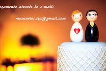 """Noivinhos Personalizados / No formato das bonecas matrioskas, os noivinhos personalizados de madeira possuem em media 11cm, sua produção é 100% artesanal, o que faz deles peça única e exclusiva do casal, possuindo as características dos noivos. """"Entregamos para todo Brasil""""."""