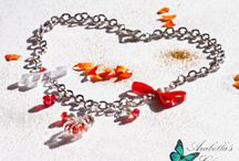 Necklace with pendant ampoule with rose petals, enriched with flakes and pearls