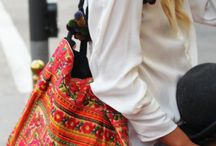 Cute Bags that goes with everything / Bags make a woman feel complete with her dress. So here are some bags which everyone wil surly like n love to..!