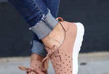 Kıyafet Ayakkabı Aksesuar