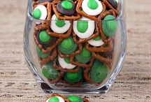 !! St Patrick's DAY Shared Board!! / Everything for St Patrick's Day!! This is a family friendly board, all pins must go directly back to the URL pinned!! Food, decorations, DIY!! Have fun!! / by Moore or Less Cooking Food Blog