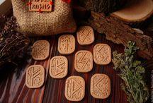 "Golden LES-magic wood carving / ""Golden LES""-Plotnikovs family workshop."