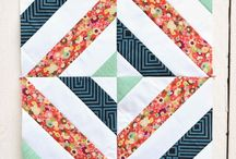 Floral Quilt Patterns / If you've got fabric scraps, these floral quilt patterns are perfect for you! Create innovative designs with these beginner patterns.