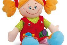 Bambole per giocare e imparare / Tante chiusure, laccetti e  cerniere- una sfida per le piccole mani