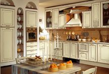 Kitchens / by Lori Carlyle