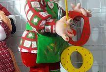Muñecos faccionados y de navidad