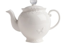 teapot / I love tea and teapots, maybe one day I will have a real collection  / by Margrét Adamsdóttir