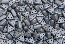 Czech eMMA 3-Hole Beads