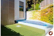Chalet La Piovera Madrid II / Una vivienda del siglo XXI con un diseño rompedor y funcional, así se presenta este chalet situado en la zona de La Piovera, Madrid, perfectamente comunicada tanto a zonas urbanas como espacios verdes de singular belleza como es el Parque El Capricho. Puedes ver todas las características de la vivienda aquí: http://www.gilmar.es/Comprar-%EF%BF%BC%EF%BF%BCVivi…/…/88517 o si lo prefieres, puedes llamarnos al número de teléfono: 91 771 77 11. Vivienda Referencia: 88517