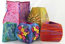Art: vessels / Containers made of fabric and thread, gourds, etc.