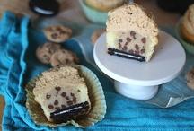 Cupcakes / by Debbie Ialapi