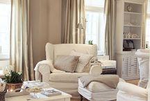 Living room / by Elizabeth Vanderpool