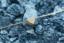 Just Franky jewellery / Just Franky is the new personalized jewellery label. The label entails 14 carat solid yellow, white or rose gold necklaces, bracelets and rings.