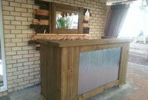 outdoor bar / Bit of old wood