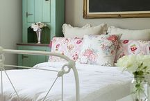 bedrooms / by Donna Hardman