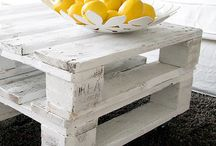 Pallets / Tables, magazines