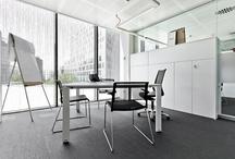 Bassat Ogilvy / Proyecto de distribución interior, instalación de divisorias y colocación de mobiliario en la nueva sede de Bassat Ogilvy situada en el 22@ de Barcelona. Este edificio ha sido diseñado por Arquitectura PBA y el diseño interior es obra de B&G Arquitecturas.