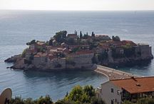 Montenegro / Montenegro is a Balkan country with rugged mountains, medieval villages and a narrow strip of beaches along its Adriatic coastline.