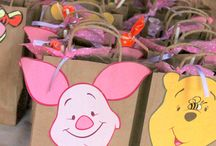 Winnie pooh birthday party theme