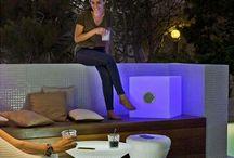 Mobiliario y maceteros con luz