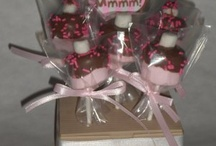 Creative Gifts / http://obsessedwithcupcakes.blogspot.com/search/label/Marshmallow%20pop%20bouquet