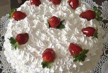 bolo de morango e glace