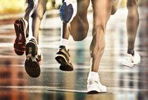 Futáshoz / A futás talán az egyik legközkedveltebb sport. A futás nem csak erőteljesebbnek és energikusabbnak érzed majd magad, hanem a hangulatod is teljesen megváltozik.  A futás nem csak fiataloknak ajánlott, hiszen idősebb korban, ha az egészség engedi, érdemes lehet kocogni vagy gyalogolni hetente párszor. Így nem kell lemondani a sportolásról és a test is jó kondiban marad.