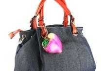 Purses and Handbags / by Andrea Cardona Jiménez