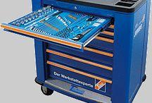 Werkzeuge und Maschinen / Ein umfangreiches Werkzeugsortiment begonnen bei Handwerkzeuge, Bohrer aber auf DL-Werkzeuge und Elektrowerkzeuge erwarten Sie.