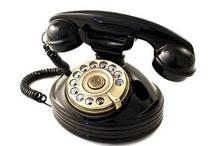 Teléfonos antiguos / Encuentra en nuestro board las mejores replicas de teléfonos antiguos. Tienes diferentes modelos, dial giratorios, colores, botones, de pared. Elige el que más te guste.