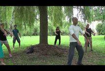Tai chi / Vooral in een tijd waarin gezocht wordt naar onthaasting en mindfulness vinden we het belangrijk aandacht te vestigen op Tai Chi Quan tijdens de Creatieve Vakantie Frankrijk. Tai Chi komt van oorsprong uit China en is een benadering voor lichaamsbeweging vanuit de martiale kunsten. Tai Chi Quan activeert het lichaam op energetisch niveau, kalmeert de geest en maakt vitaliteit beoefenbaar. http://www.creatievevakantiefrankrijk.nl