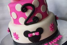 Reese's Birthday Cakes / by Amy Banks-DeBrosse