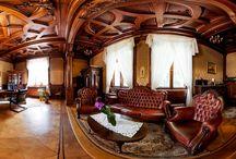 Smolice - Pałac / Neobarokowy pałac w Smolicach wybudowała w XVIII wieku rodzina Umińskich. Otacza go 18-hektarowy park krajobrazowy. Od 1946 roku pałac w Smolicach należy do Zakładu Doświadczalnego Instytutu Hodowli i Aklimatyzacji Roślin.