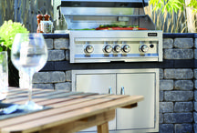 Outdoor Kitchen / Barkman's modular collection allows you to customize your kitchen to your specific needs. Make the most of your summer by enjoying a little al fresco cooking and dining.