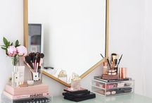 Home // Vanity Tables and Dressers