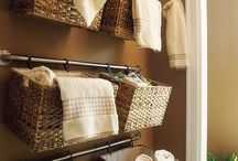 Bathroom Organization / Bathroom Organization - Home Organization, Decluttering, Downsizing