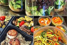 Low Carb Meal Prep Tips / Prepare your meals ahead of time with these low carb recipes and tips.
