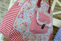 BOLSAS / by Gigi Patchwork