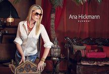 Hickmann / A Ana Hickmann marca exclusivamente feminina, apresenta coleções cheias de charme em variados estilos e formatos para agradar em cheio a mulher atual. Modernos, seus modelos apresentam design contemporâneo com detalhes que realçam a beleza e se adéquam perfeitamente as necessidades do dia-a-dia.