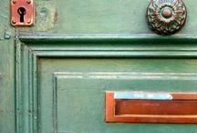 Shut the front door! {Door love}