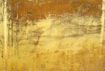 Colour ○ Gold