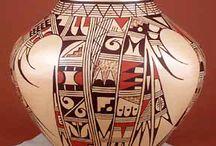 Hopi pottery / Hopi
