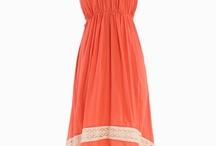 Summer Dresses / by Cassandra Ann