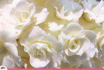 Bolo de Casamento com Cascata de Flores / Um lindo Bolo de Casamento por Ana Barros Bolos com Cascata de Flores!