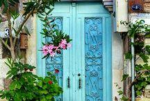 drzwi do domów