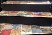 Caffè di Parigi - #gresporcellanato della Collezione KREA / Factory & Co Bourse è un cafè di Parigi per il quale DSG Ceramiche ha realizzato i #pavimenti interni, le scale e i bagni. I materiali scelti sono le lastre in #gresporcellanato della Collezione KREA.