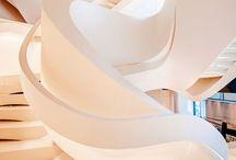 escadas futuristas