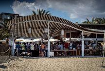 LOS MEJORES COCTELEROS DE EUROPA PRESENTANDO SUS CREACIONES / Tuvimos la oportunidad de probar de la mano de los mejores cocteleros de Europa sus creaciones de la mano de Elit en Ibiza. Todos quedamos impresionados.