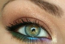 Makeup Tricks / by Lexie SoloRio
